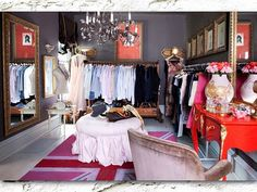 very simple c l o s e t! ♥. i plan to turn our extra room into a dressing room.