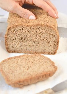 Keto bread loaf No Eggs, Low Carb with coconut flour, almond meal, psyllium husk and flaxmeal. A delicious easy keto sandwich bread with only g net carb per slice to fix your sandwich craving with no guilt! Coconut Flour Bread, Almond Bread, Almond Flour Recipes, Vegan Keto Recipes, Low Carb Recipes, Bread Recipes, Real Food Recipes, Paleo Vegan, Best Keto Bread