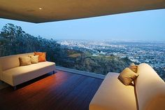 Designer House in Hollywood Hills -You can find Scenery and more on our website.Designer House in Hollywood Hills - Hollywood Hills Häuser, Hollywood House, West Hollywood, Ultra Modern Homes, Home Pictures, House 2, Nice View, My Dream Home, Future House