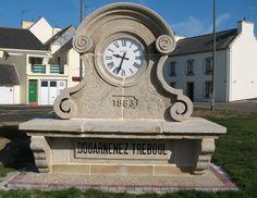 Cadran Bodet installé de façon très originale à Douarnenez, Bretagne - France.