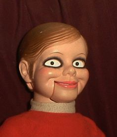 """HAUNTED Old Creepy Ventriloquist Doll """"EYES FOLLOW YOU"""" dummy Halloween prop"""
