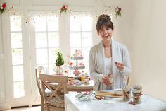 """Former Co-host of HGTV Canada's """"Love It or List It Vancouver & Bachelorette, Jillian Harris, shares 4 holiday hacks with Pottery Barn. Jillian Harris, Hgtv, Pottery Barn, Vancouver, Table Settings, Hacks, Stitch, Holiday, Style"""