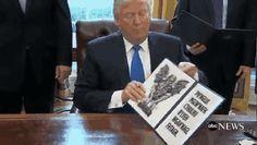 trump-executive-order-memes-7-58919d4b7ad22__605.gif (326×184)