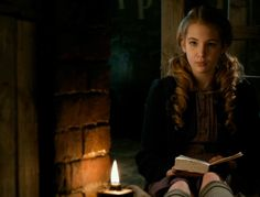 """""""The Book Thief"""" Movie Trailer - Acclaimed Novel Heads To Theaters With Emotional First Look"""