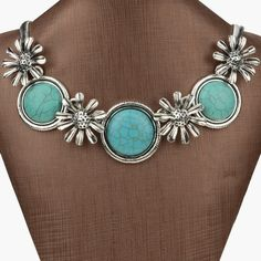 'Floral Turquoise  Necklace ' is going up for auction at 10pm Wed, Jul 31 with a starting bid of $3.
