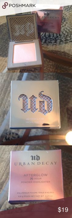 "NEW! Urban Decay ""AURA"" AFTERGLOW Highlighter BRAND NEW! Urban Decay ""AURA"" AFTERGLOW Highlighter-8-HOUR Powder Highlighter-ONLY OPENED FOR PICS-EXCELLENT NEW CONDITION!!! Sephora Makeup Face Powder"