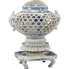 Antique Japanese Hirado平戸 Classic Blue & White Porcelain Censer