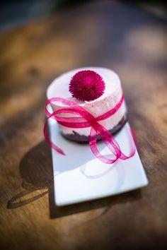 nekedcake tortácska rosa flower wedding love Budapest, Wedding Flowers, Gift Wrapping, Cake, Gifts, Gift Wrapping Paper, Presents, Wrapping Gifts, Food Cakes