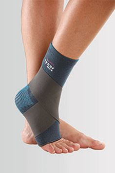 Tynor Ankle Binder Ankle Binder is an effective device to support, compress and partially immobilize the ankle following ankle sprain to control pain, oedema or inflammation. Composed of two components, elasticized wrap. and compression sleeve, which is knitted on a 3 dimensional computer controlled circular looms. . Dual grip Four way stretchable fabric. Controlled compression. Convenient application.  Tynor Ankle Binder Features Anatomically shaped and reduced compression on patella