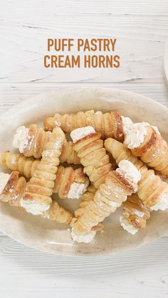 Pastry Cream Horns Puff Pastry Horns (aka Cream Horns) are scrumptious puff wrapped around a metal horn and baked till golden and flaky. They can be filled with whipped cream, or Serve plain or topped with powdered sugar, fruit preserves, sauce or This is Puff Pastry Desserts, Puff Pastry Recipes, Puff Pastries, Pastries Recipes, Italian Pastries, French Pastries, Italian Pastry Cream Recipe, Apple Turnovers With Puff Pastry, Nutella Puff Pastry