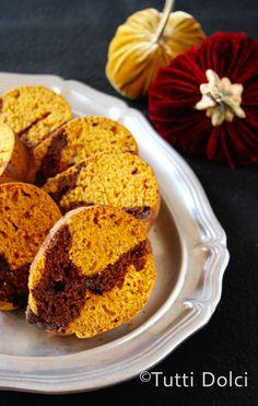 Pumpkin-Chocolate Swirl Bundt Cake | Tutti Dolci