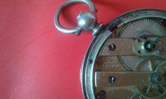 Gigandet (Geneve) - zakhorloge - tweede helft van de 19e eeuw  Horloge met sleutel-wond mechanische uurwerk (sleutel niet inbegrepen) ondertekend Gigandet.White metal case no. 2203-9749 - ondertekend:RAW. Broers 31 Dulce Street.Diameter: 40 mm-dikte: 9 mm-gewicht: 44 g.Wit geëmailleerde wijzerplaat. Romeinse cijfers.In goede staat. Kleine leeftijdsgebonden tekenen van slijtage. Bedrijfsklare.Bijgehouden scheepvaart verpakt in doos met doublestootvaste bescherming.  EUR 0.00  Meer informatie…