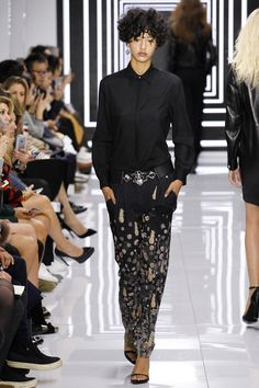 Versus Versace Spring 2016 Ready-to-Wear Fashion Show -THIS ONE FOR RITA ORA