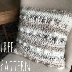 Pattern: Bobbles And Rows Pillow - Evelyn And Peter Crochet