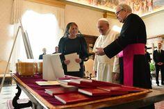 Dokonalá ako Melania: Prezidentka ukázala najvyššiu citlivosť pre vatikánsky protokol, hovorí cirkevný analytik | Diva.sk