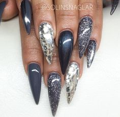 Winter Nails 2019 40 stiletto nails 2018 - Wedding Accessories and Wedding Party Gifts Winter Nail Art, Winter Nails, Spring Nails, Hot Nails, Hair And Nails, Dark Nails, Nails 2018, Trendy Nail Art, Super Nails