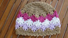"Perenni hat, free pattern by Deanne Ramsay with custom-fit sizing instructions.  Pic from Ravelry Project Gallery.  The rows of ""flowers"" remind me of snowflakes  :-)  #crochet #beanie #toque #cloche"