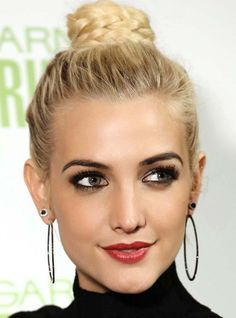 20 Celeb Inspired Chic Braids To Try This Summer: Ashlee Simpson Braided Hairstyles  #braids #braidedhairstyles