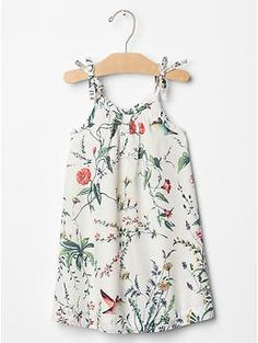 Shop the Gap collection of toddler girls clothes for your stylish toddler. From toddler dresses to leggings, find cute outfits for every occasion. Girls Dresses Sewing, Little Girl Dresses, Moda Kids, Kids Outfits, Cute Outfits, Baby Kids Clothes, Tank Dress, Baby Love, Glamour
