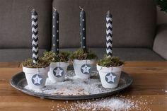 Statt Adventskranz: Winterliche dekorierte Blumentöpfe mit langen Kerzen zum Advent // http://www.elmasuite.de
