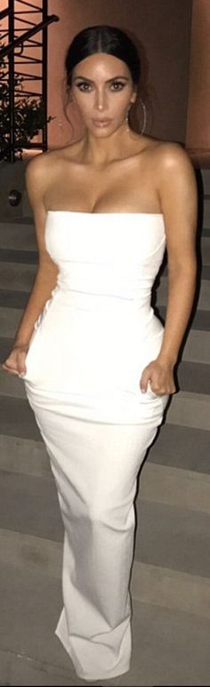 Who made  Kim Kardashian's white strapless gown?