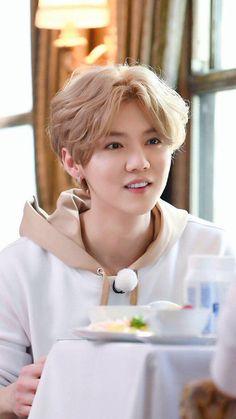 Read :: Imagine si les EXO :: from the story Imagine si. Kpop by -Red-Moon- (࿐ Neo Zone) with 424 reads. Luhan Exo, Kaisoo, Chanbaek, Kpop Exo, Exo 12, Kim Minseok, Gu Family Books, Exo Members, Wattpad
