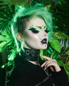 Shop online for long lasting & waterproof gel eyeliner Edgy Makeup, Makeup Inspo, Makeup Art, Makeup Inspiration, Hair Makeup, Makeup Ideas, Gel Eyeliner, Alternative Makeup, Creative Makeup Looks