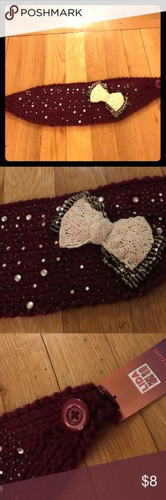 Earmuffs headband Earmuffs headband with button enclosure, 2 buttons to adjust tightness. Maroon color, Never worn Accessories Hair Accessories