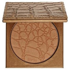 What it is: An ultralight, mineral-based bronzing powder. What it does:Tarte Mineral Powder Bronzer is an oil-free bronzer that fuses earthly minerals with naturally-derived ingredients for a natural-looking finish. It contains Skinvigorating&trade Beauty Products You Need, Best Makeup Products, Makeup Brands, Hair Products, Bronzer Makeup, Face Bronzer, Liquid Makeup, Sephora Makeup, Beach Makeup