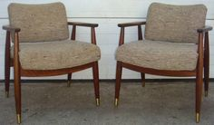 Mid Century Modern Pair of Lounge Chairs!!