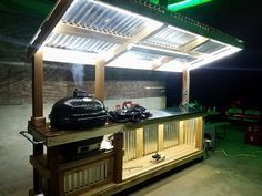 Unique and Creative Preparation station for Primo ceramic grill. kitchen design grill station Unique and Creative Preparation station for Primo ceramic grill. Backyard Bar, Backyard Kitchen, Backyard Patio Designs, Outdoor Kitchen Bars, Outdoor Kitchen Design, Design Grill, Outdoor Grill Station, Outdoor Grill Area, Outdoor Bbq Grills
