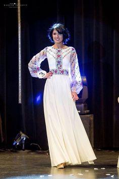 Folk Fashion, Hijab Fashion, Vintage Fashion, Fashion Outfits, Womens Fashion, Mode Mori, Dress Skirt, Dress Up, Ethno Style