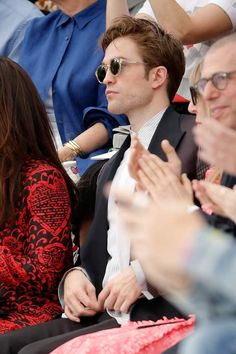 Dior Homme Spring/Summer 2019 Fashion Show ~ Paris, France Robert Pattinson Twilight, King Robert, Robert Douglas, Bella Hadid, Kim Kardashian, Victoria Beckham, Fashion Week Hommes, Look Man, Edward Cullen