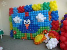 Os balões são peças decorativas por excelência no que diz respeito a festas infantis. Coloridos, divertidos e engraçados, os balões são obrigatórios em qua