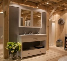 1000 images about klassieke badkamers on pinterest bathroom google and closet doors - Rustieke badkamer meubels ...