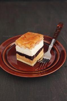 """Ciasto """"Jabłko Ewy"""" - Wiem co jem Sweet Recipes, Cake Recipes, Dessert Recipes, Cafe Amaretto, Russian Cakes, Dream Cake, Polish Recipes, Piece Of Cakes, Baked Goods"""