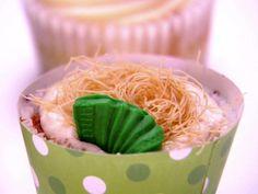 Polka Cake Recipe (it's baklava in a cupcake!)