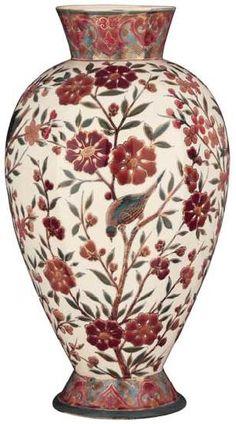 ZSOLNAY VÁZA VIRÁGMOTÍVUMMAL, ZSOLNAY, 1885 KÖRÜL  Porcelánfajansz, magastüzű színes mázas festéssel , Magasság: 39,5 cm Jelzés: TJM. családi bélyegző Kikiáltási ár: 180 000 Ft