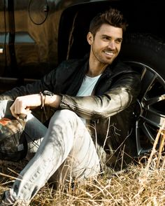 Luke Pell missed out on his opportunity to be The Bachelor star but he still may end up with one of Season 21's bachelorettes Danielle Lombard. #TheBachelor #Bachelor