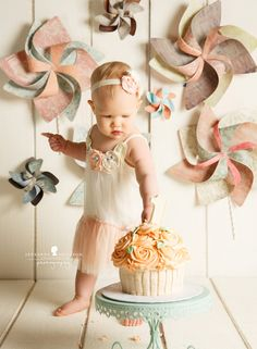 A is one! – Santa Rosa Cake smash photographer » Jeneanne Ericsson Photography giant cupcake pinwheel peach aqua girl