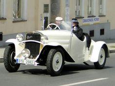 Praga Alfa Roadster 1932 Alfa Cars, Alfa Romeo Cars, Vintage Cars, Antique Cars, Ferrari, Classic Mercedes, Fancy Cars, Amazing Cars, Hot Cars