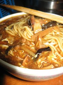 I forgot to post this recipes which I wanted to share for some time. This signature dish is very popular among the Fuzhou communities. Beef And Noodles, Asian Noodles, Rice Noodles, Noddle Recipes, Asian Recipes, Chinese Recipes, Ethnic Recipes, Malaysian Food, Malaysian Recipes