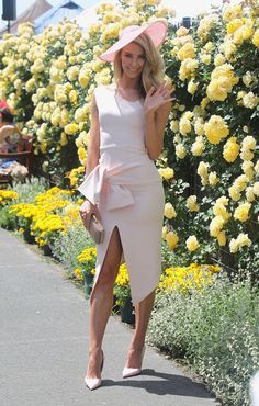 Jennifer Hawkins looks Amazing at Oaks Day Melbourne spring racing carnival 2014 Race day ladies day Melbourne Cup Fashion, Melbourne Cup Dresses, Ladies Day Outfits, Race Day Outfits, Kentucky Derby Outfit, Ascot Outfits, Derby Outfits, Jennifer Hawkins, Race Day Fashion