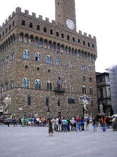 The facade of Palazzo Vecchio (Florence)