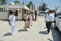 El gobernador Javier Duarte de Ochoa asiste a comida con Navales en la ciudad de Tuxpan, donde dio recorrido por la zona naval acompañado por autoridades navales y convivió con los presentes.
