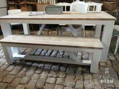 robuuste landelijke tafel met bank