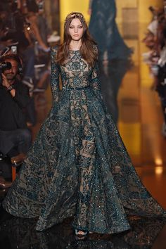 zuhair murad from best looks from paris haute couture fashion week fall 2015 Style Haute Couture, Couture Fashion, Runway Fashion, Fashion Week, High Fashion, Vestidos Elie Saab, Dress For You, Dress Up, Dress Hats