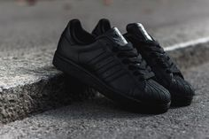 Had a pair back in the days. Might cop a pair cos these were the bomb! adidas Superstar II Triple Black