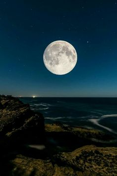 Good night moon, shine on. Full Moon Pictures, Moon Photos, Cool Pictures, Mystic Moon, Look At The Moon, Shoot The Moon, Moon Photography, Good Night Moon, Moon Magic