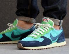Nike. Retro. Vintage Cortez.